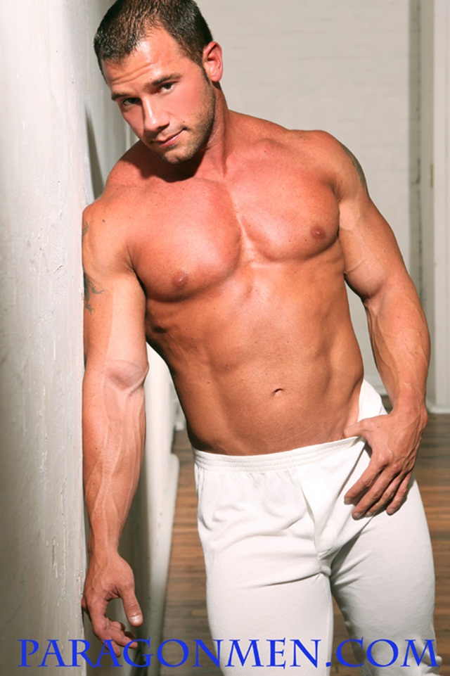 Ripped Muscle Hunk Kent Slugger Strips Naked and Strokes His Big Hard Cock for Paragon Men 2 photo1 - Paragon Men: Kent Slugger flexes his massive muscles!
