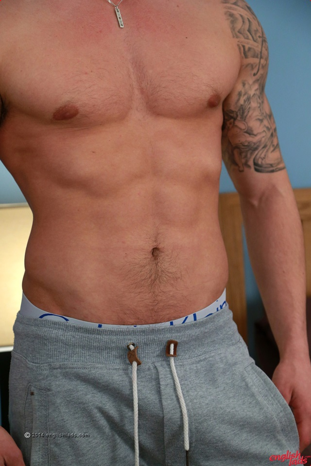 Muscular-Tall-Young-Straight-Hunk-Jake-Cavendish-Ripped-Body-Long-Thick-Uncut-Cock-englishlads-004-male-tube-red-tube-gallery-photo