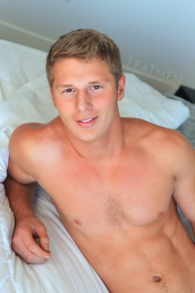Fratmen-Bo-FRATPAD-Fratguy-Fratboy-red-blond-boy-next-door-ripped-muscle-stud-011-male-tube-red-tube-gallery-photo