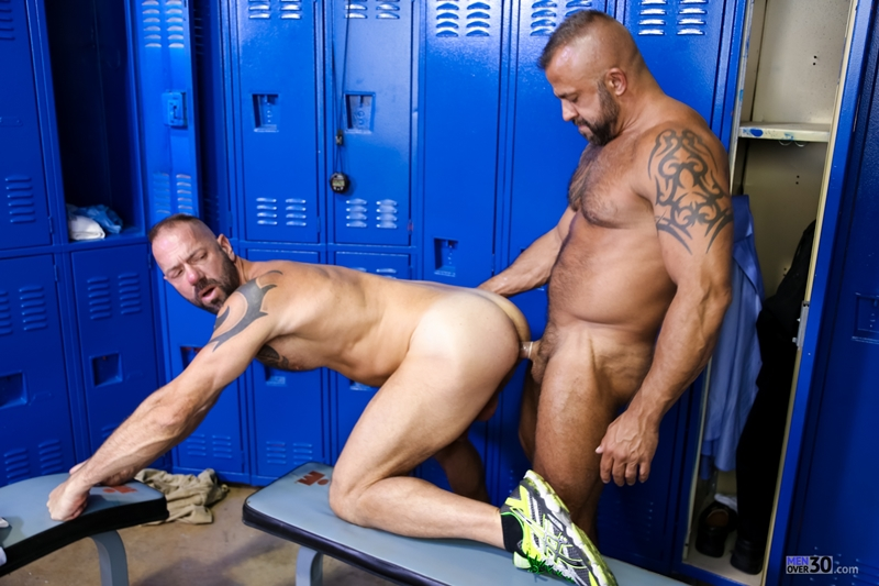 MenOver30-Vic-Rocco-Jon-Galt-locker-room-smelly-armpit-hairy-chest-hot-gym-toned-men-ass-fucking-011-tube-download-torrent-gallery-photo
