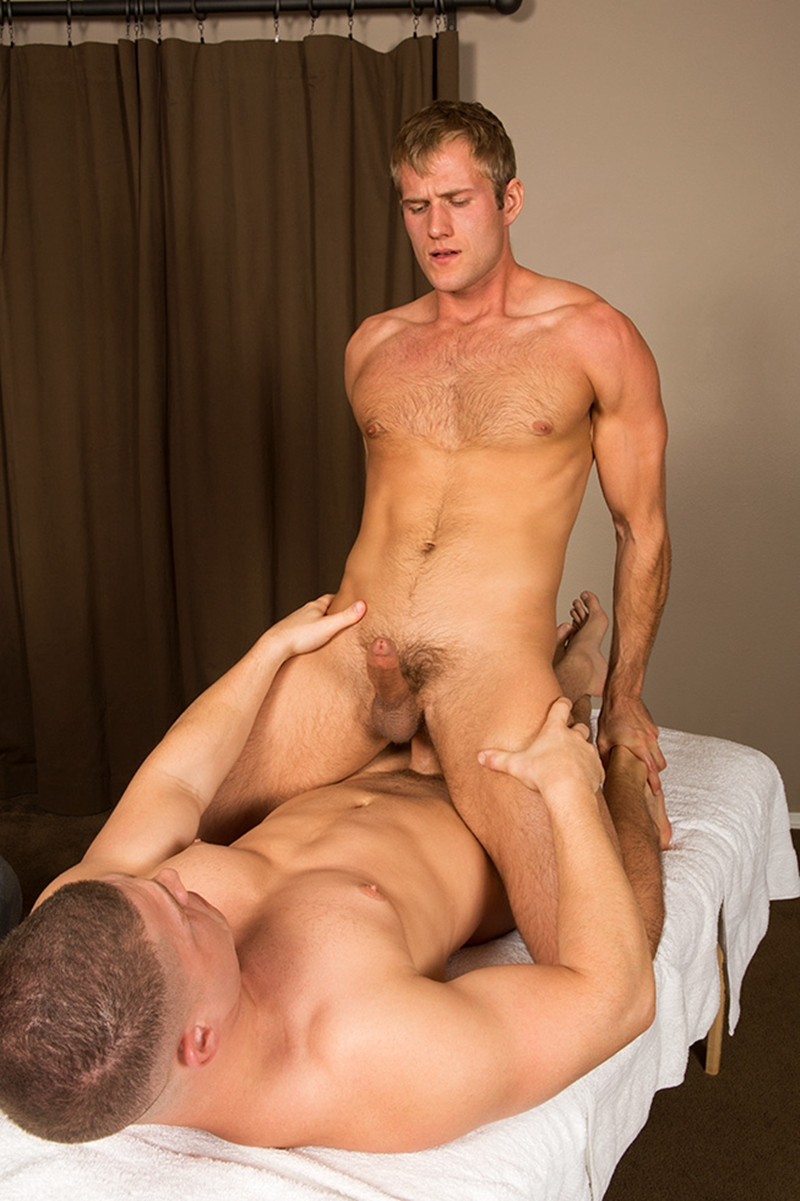 SeanCody sexy muscle blond Blake bareback fucked big stud Brodie sucks rims muscled butt cheeks raw asshole erect cock bare ass 006 gay porn video porno nude movies pics porn star sex photo - Sexy muscle blond Blake is bareback fucked by big muscle stud Brodie