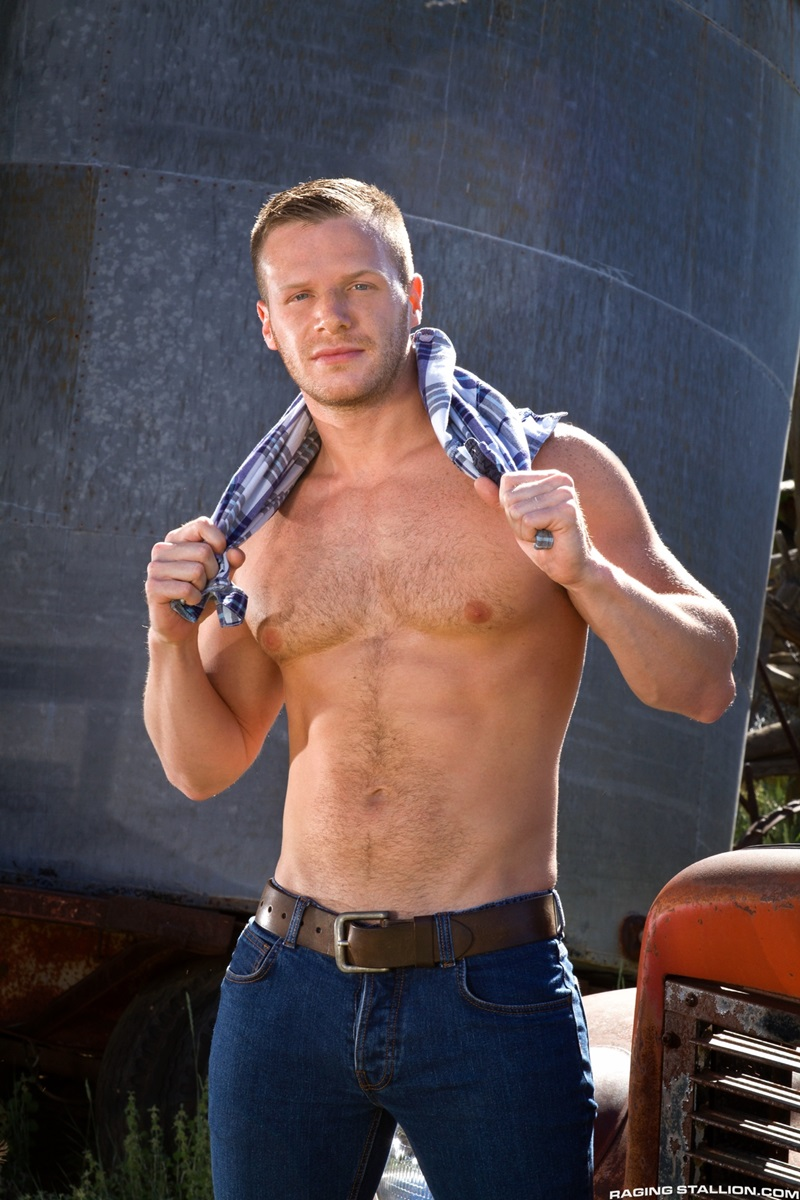RagingStallion naked muscle dudes Brian Bonds Nick Sterling Andrew Stark big dick hard 69 tight smooth muscled ass hole fucking rimming 02 gay porn star tube sex video torrent photo - Brian Bonds sucks on Nick Sterling's cock while Andrew Stark fucks him hard