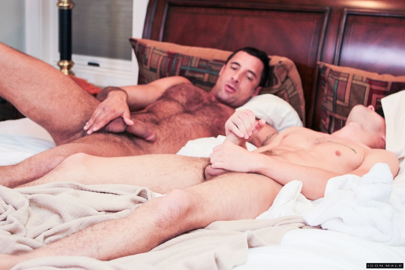IconMale Nick Capra Hunter Page six pack abs flat stomach hard big erect long uncut cock foreskin hairy muscled ass hole cum men kissing 002 gay porn tube star gallery video photo - Nick Capra licks his balls before sucking Hunter Page's long boy dick