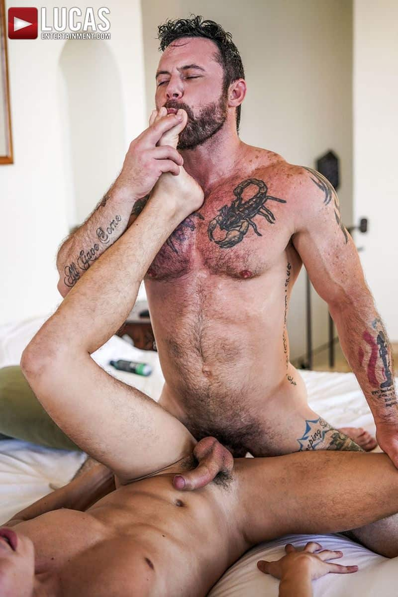 Daddy top Sergeant Miles huge thick raw dick breeds sexy young hottie Oliver Hunt tight bubble ass 022 gay porn pics - Daddy top Sergeant Miles's huge thick raw dick breeds sexy young hottie Oliver Hunt's tight bubble ass