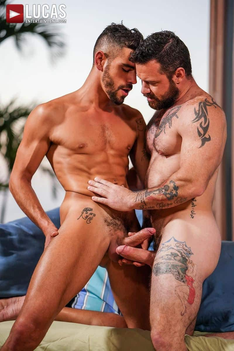 Muscled older stud Sergeant Miles huge raw dick dominates ripped younger dude Valentin Amour hot hole 14 gay porn pics - Muscled older stud Sergeant Miles's huge raw dick dominates ripped younger dude Valentin Amour' hot hole