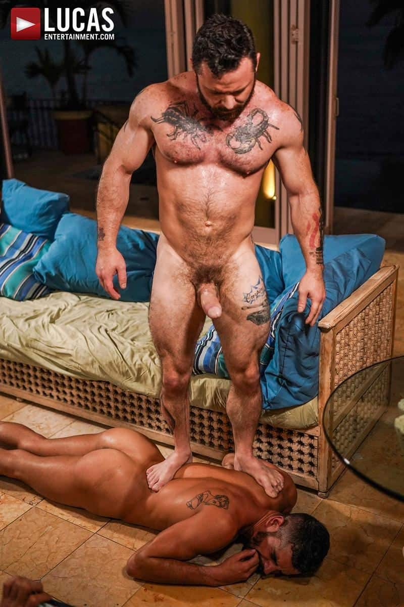 Muscled older stud Sergeant Miles huge raw dick dominates ripped younger dude Valentin Amour hot hole 21 gay porn pics - Muscled older stud Sergeant Miles's huge raw dick dominates ripped younger dude Valentin Amour' hot hole