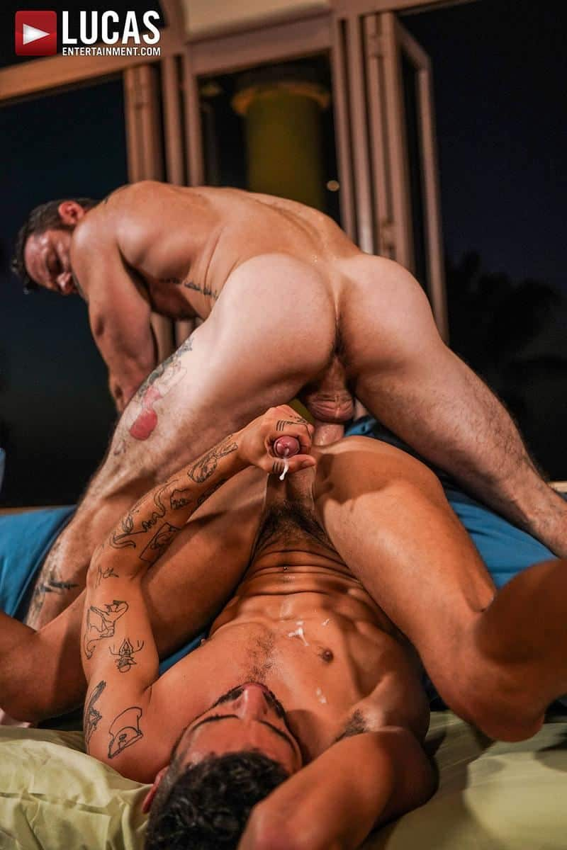 Muscled older stud Sergeant Miles huge raw dick dominates ripped younger dude Valentin Amour hot hole 22 gay porn pics - Muscled older stud Sergeant Miles's huge raw dick dominates ripped younger dude Valentin Amour' hot hole